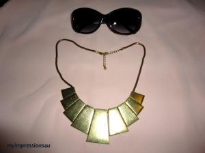 Sonnenbrille + Statementkette
