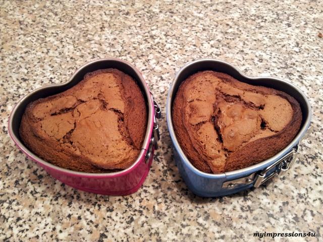 Schoko-Herzkuchen in Formen