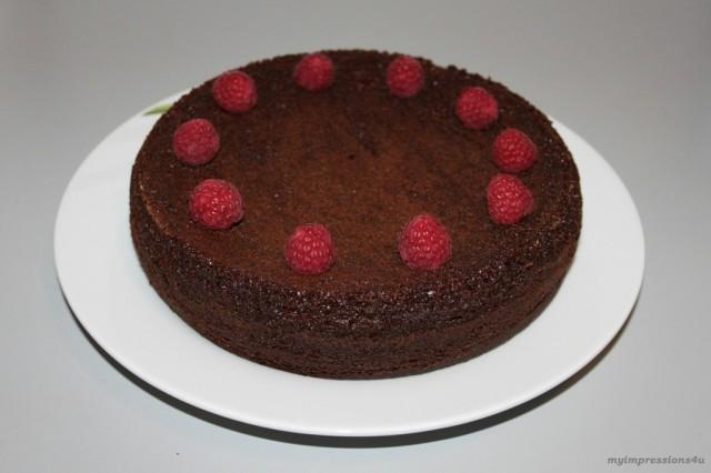 Schoko-Haselnuss-Kuchen mit Himbeeren_myimpressions4u