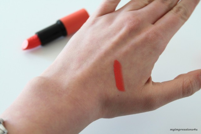 Essence Love&Sound_Lippenstift Crowd Gone Wild_Swatch_myimpressions4u