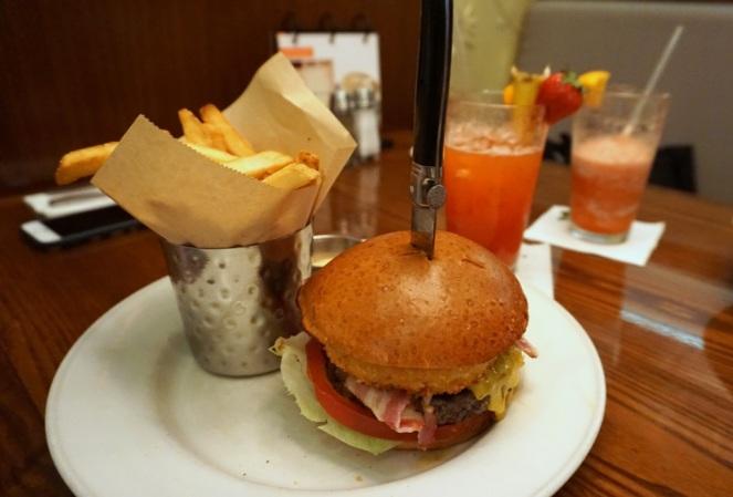 Hard Rock Cafe Firenze_Original Legendary Burger_myimpressions4u