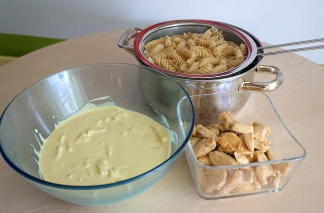 Nudelsalat Ananas Curry Huhn_Zutaten fertig vorbereitet_myimpressions4u